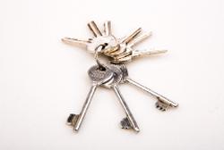 鍵の引渡しと重要事項説明、契約